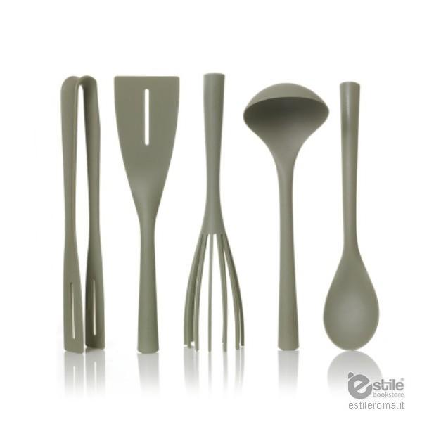 Pantone universe set utensili da cucina pantone universe for Set utensili da cucina